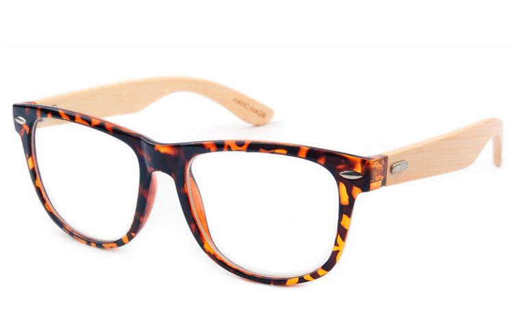 6d0b6f89730a Brun wayfarer brille med klart glas og bambus stænger