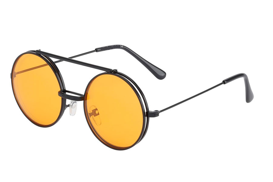 Sort brille med flip-up solbrille med orange glas.