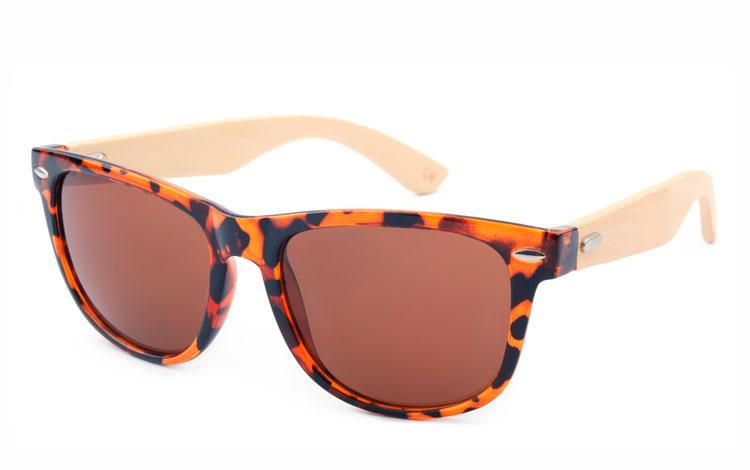 997271c75ada Brun wayfarer solbrille med bambus - Design nr. 3050