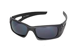 1218282c2fcd Mat sort mande solbrille i enkelt design med hul i siden - Design nr. 1139