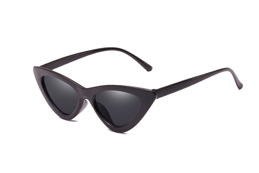 Sort solbrille i det ikoniske Cat-Eye design - Design nr. s4145